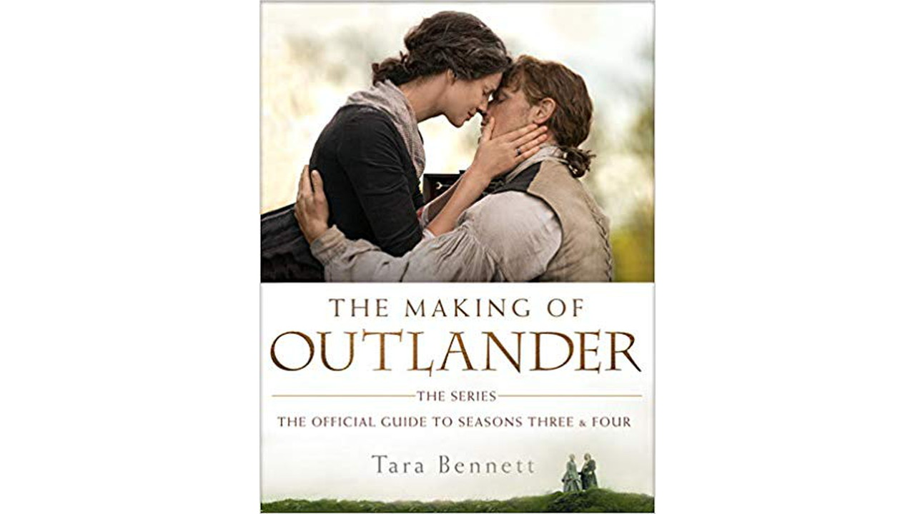 51 gaugD5L. SX382 BO1204203200  - The Making of Outlander: The Series: The Official Guide to Seasons Three & Four Hardcover