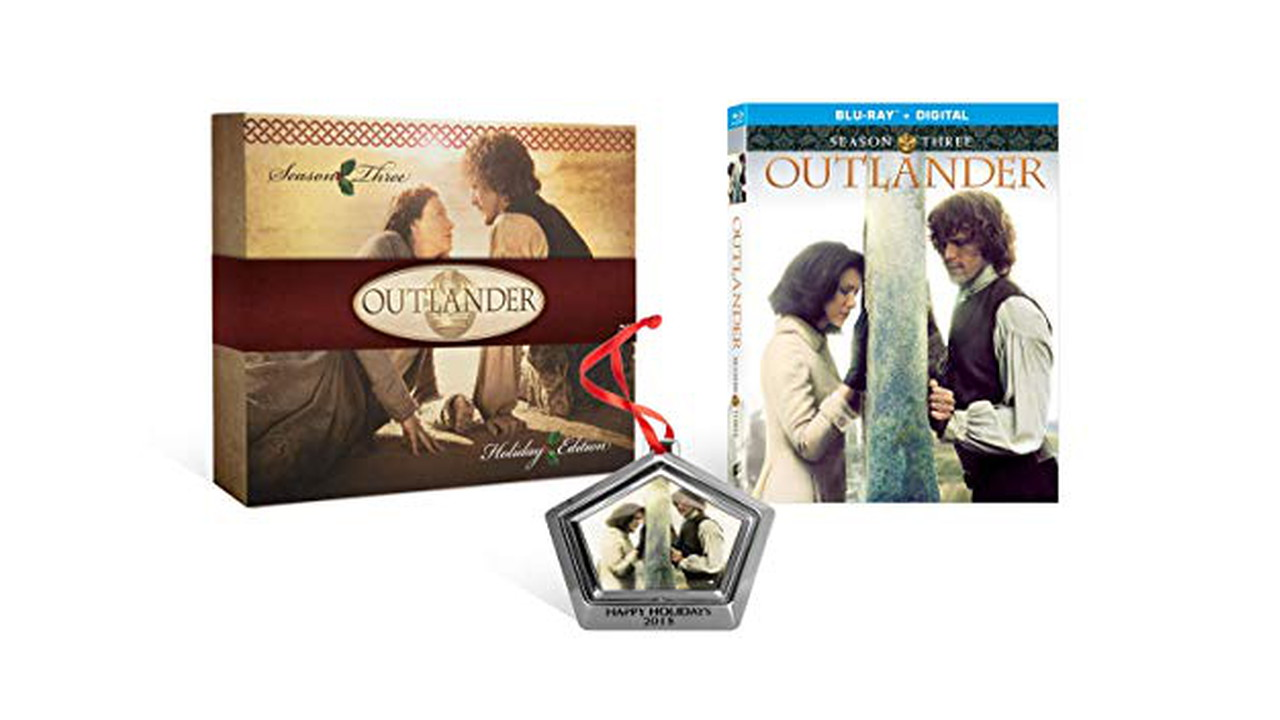 81lsdhJCiwL. SX522  - Outlander: Season 3 with Limited Edition Ornament [Blu-ray]